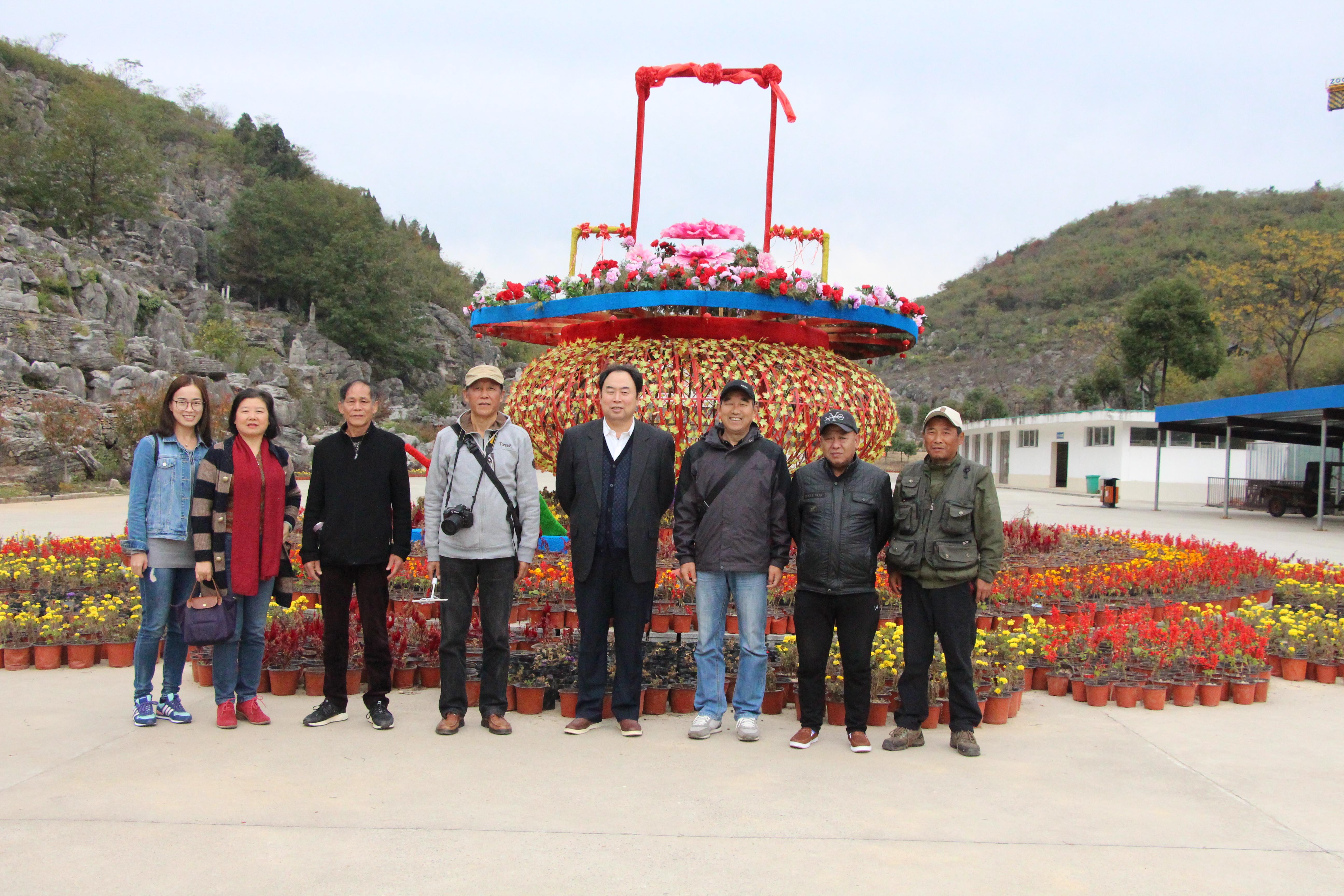 丫山风景区位于安徽省芜湖市南陵县境内,西接池州,北靠铜陵,处三
