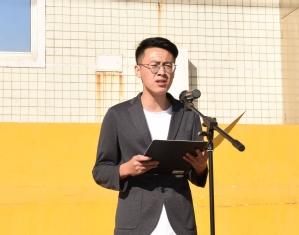 老生代表、研究生学院2019级钱海鹏同学发言